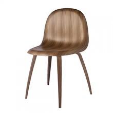 Gubi - Gubi 3D Dining Chair-Chaise structure en noix