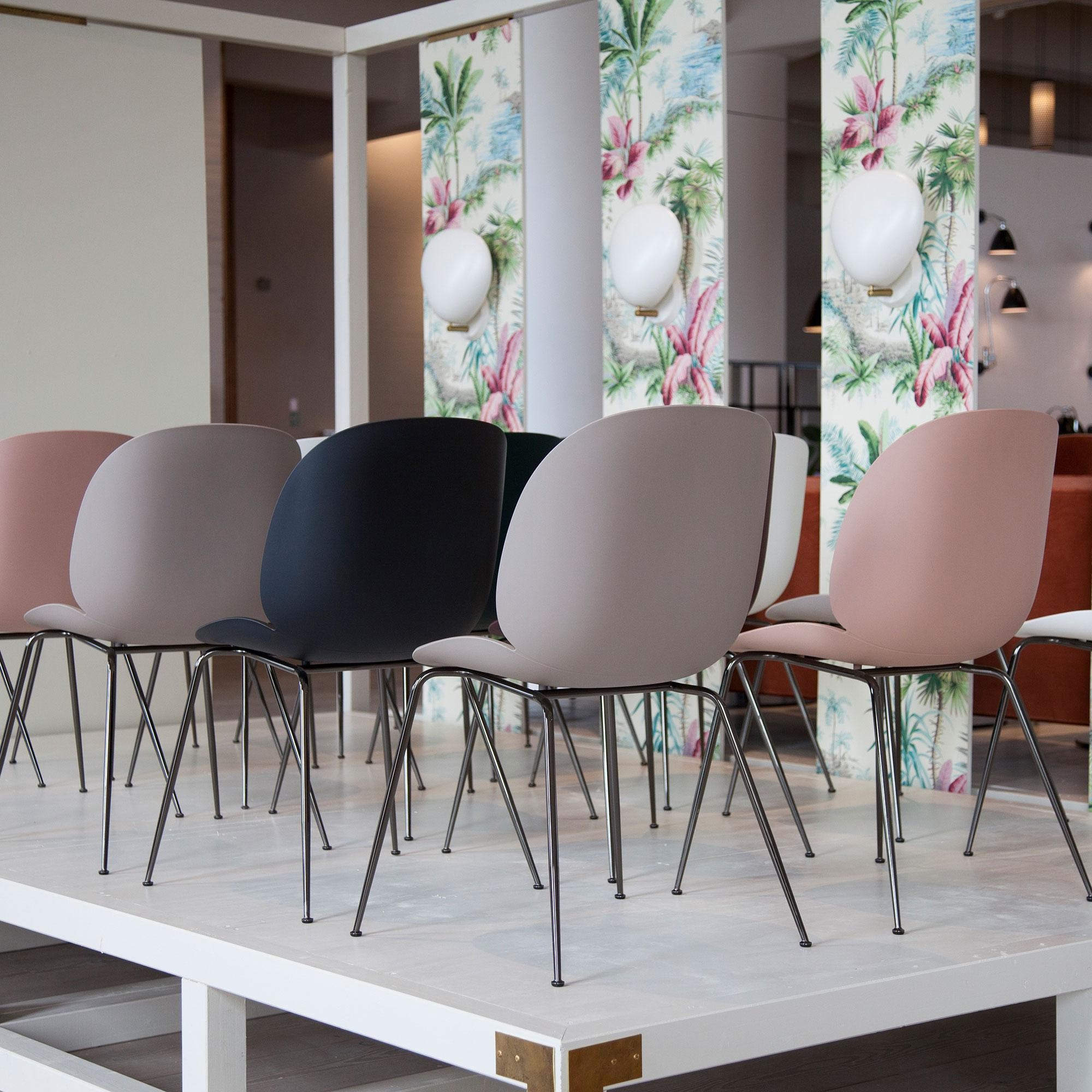 Gubi Beetle Dining Chair Stuhl Gestell Chrom