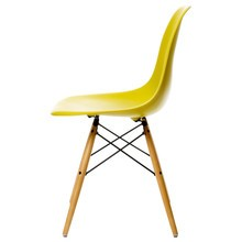 Vitra - Vitra Eames Plastic Side Chair DSW Ahorn gelblich