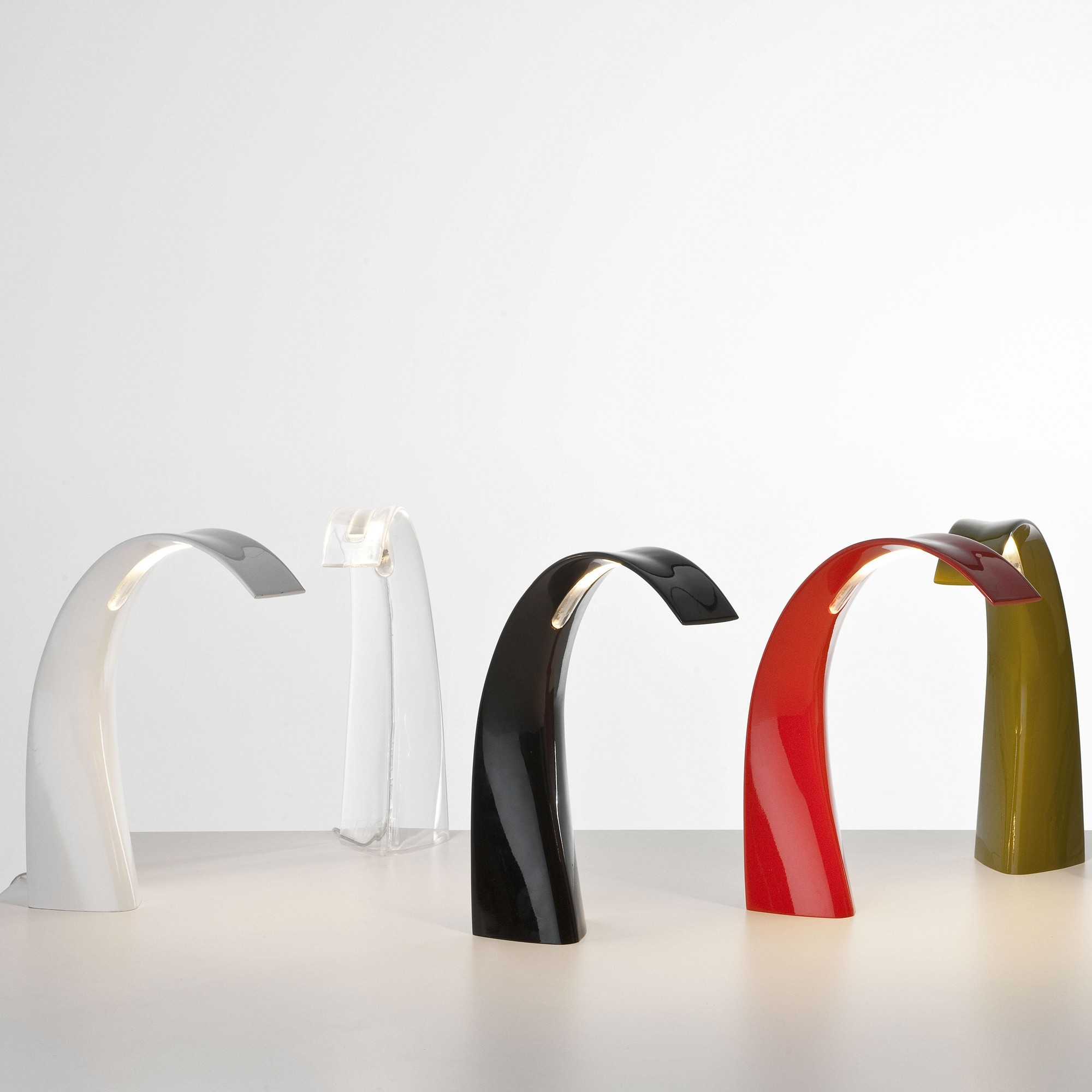 kartell taj mini led lampe de table ambientedirect. Black Bedroom Furniture Sets. Home Design Ideas