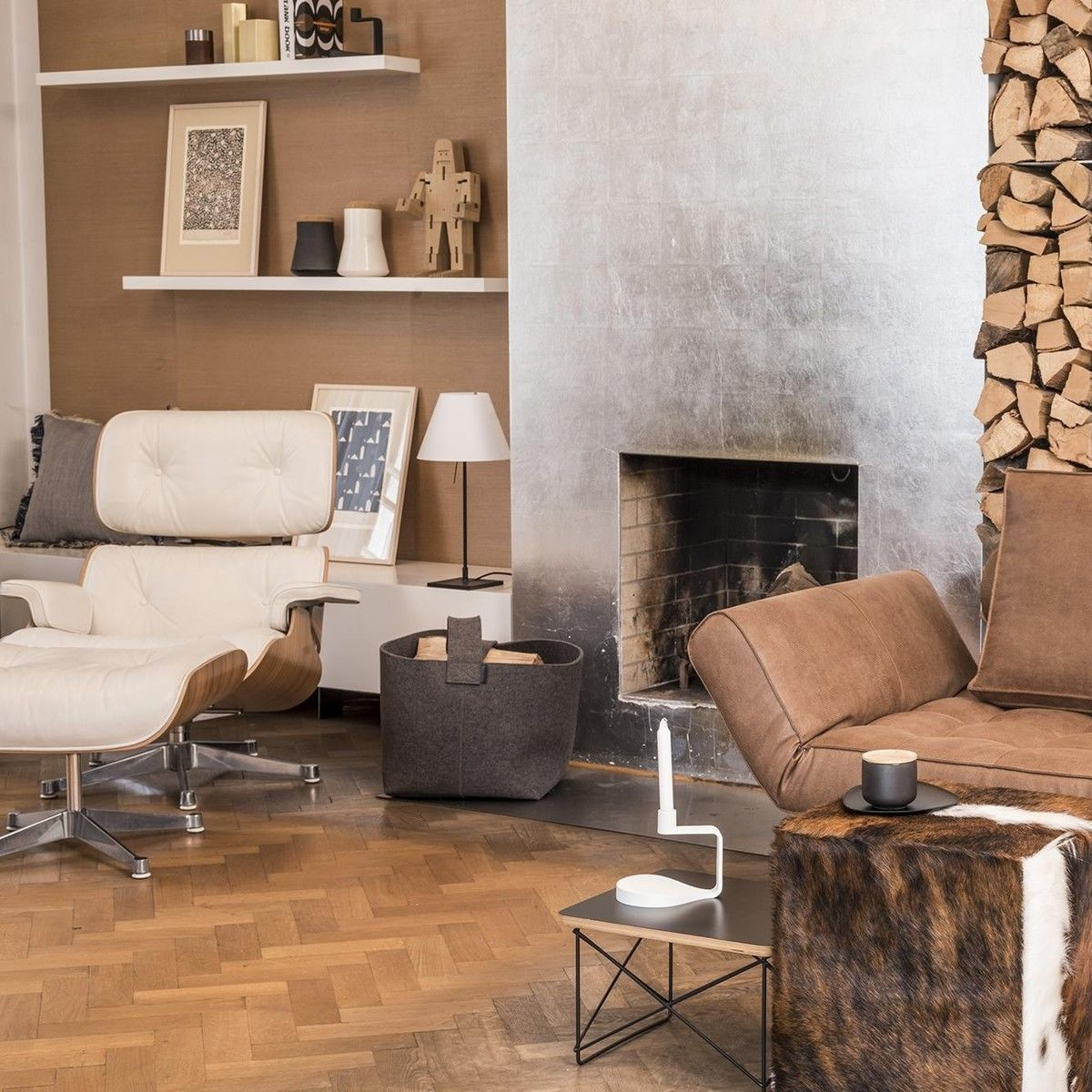 Eames lounge chair in room - Vitra Eames Lounge Chair Xl New Size