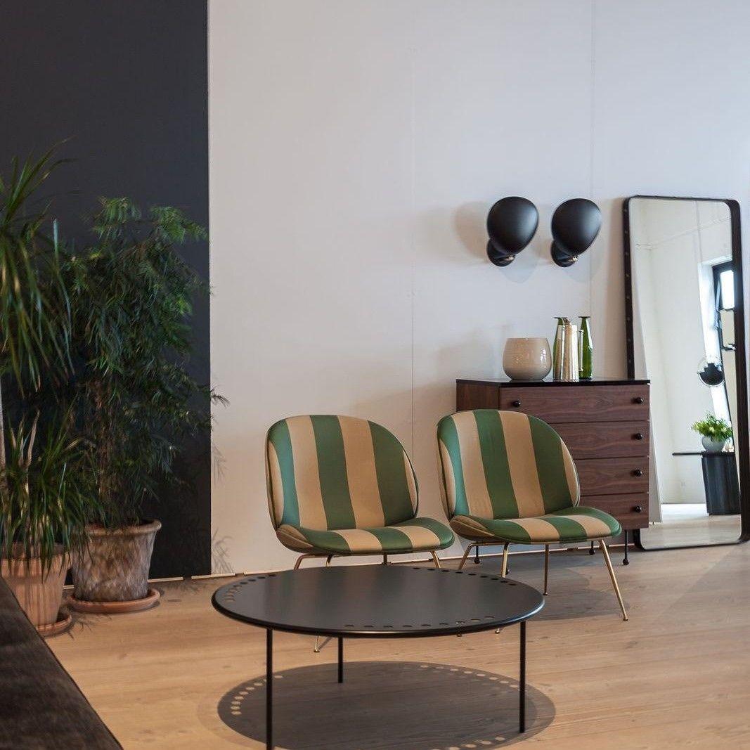 gubi cobra wandleuchte gubi leuchten. Black Bedroom Furniture Sets. Home Design Ideas