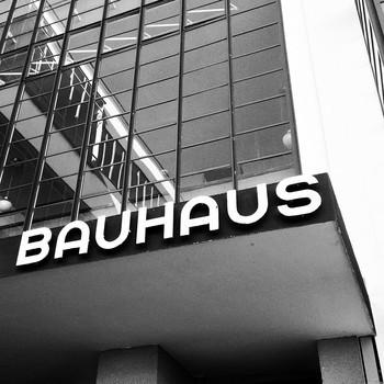 01 3er Kachel Bauhaus