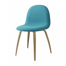 Gubi - Gubi 3D Stuhl gepolstert mit Holzgestell