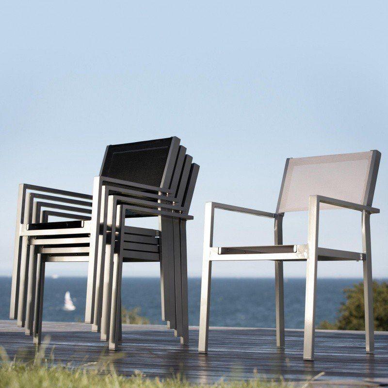 Cubic Gartenarmlehnstuhl | Jan Kurtz | AmbienteDirect.com