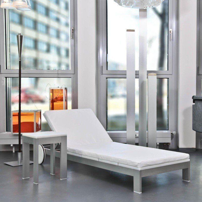 na xemena liege mit rollen gandia blasco. Black Bedroom Furniture Sets. Home Design Ideas