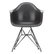 Vitra - Eames Fiberglass Armchair DAR Gestell schwarz