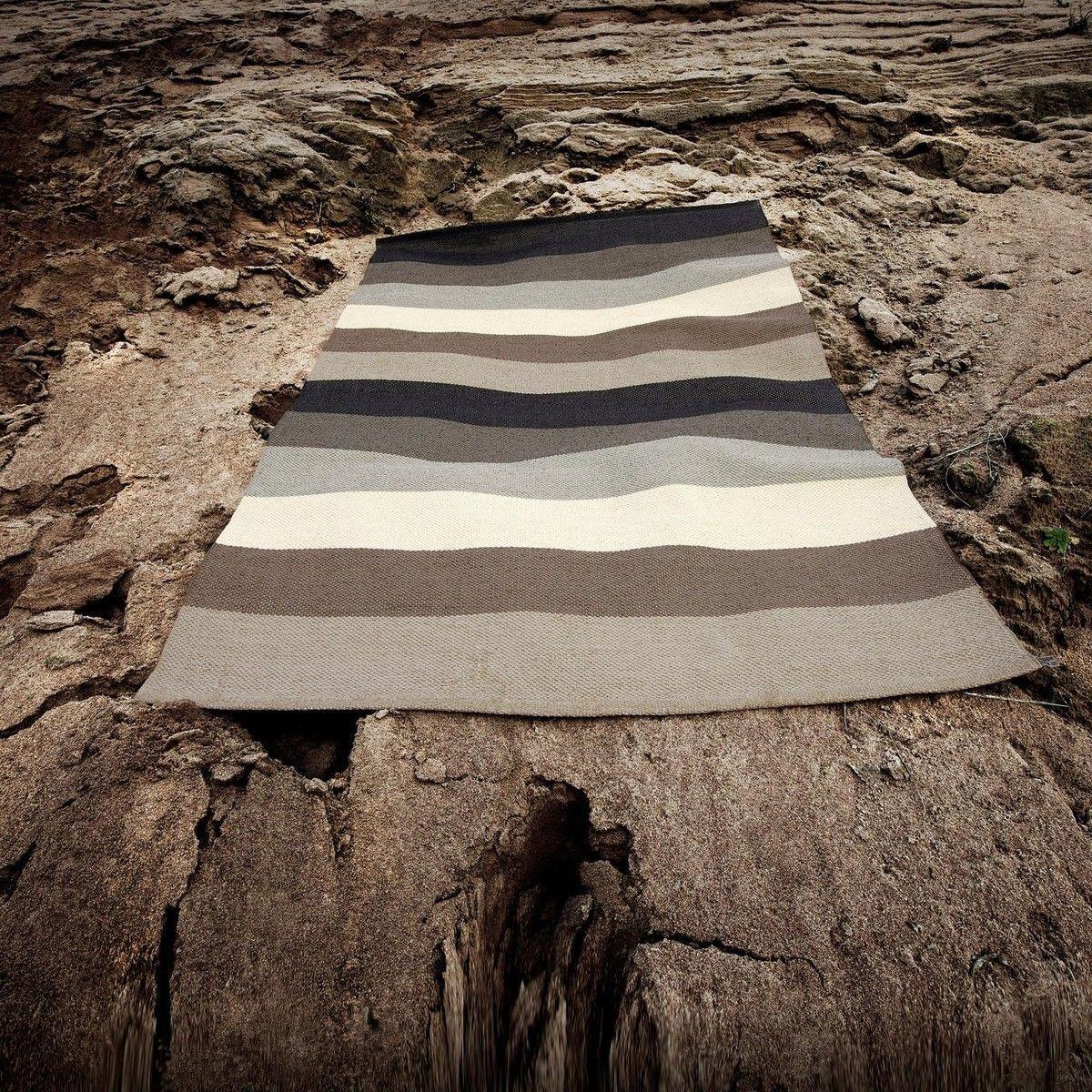 molly tapis pour l 39 ext rieur 100x70cm pappelina. Black Bedroom Furniture Sets. Home Design Ideas