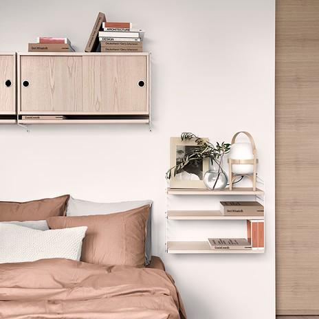 Schlafzimmer mit Nachtkästchen