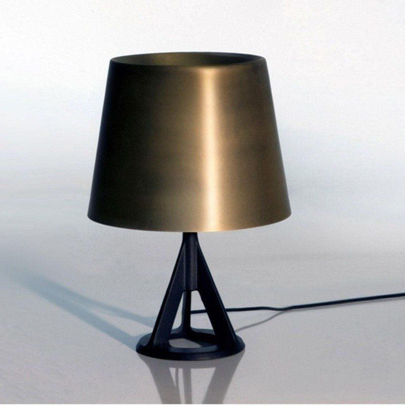 base lampe de table tom dixon. Black Bedroom Furniture Sets. Home Design Ideas