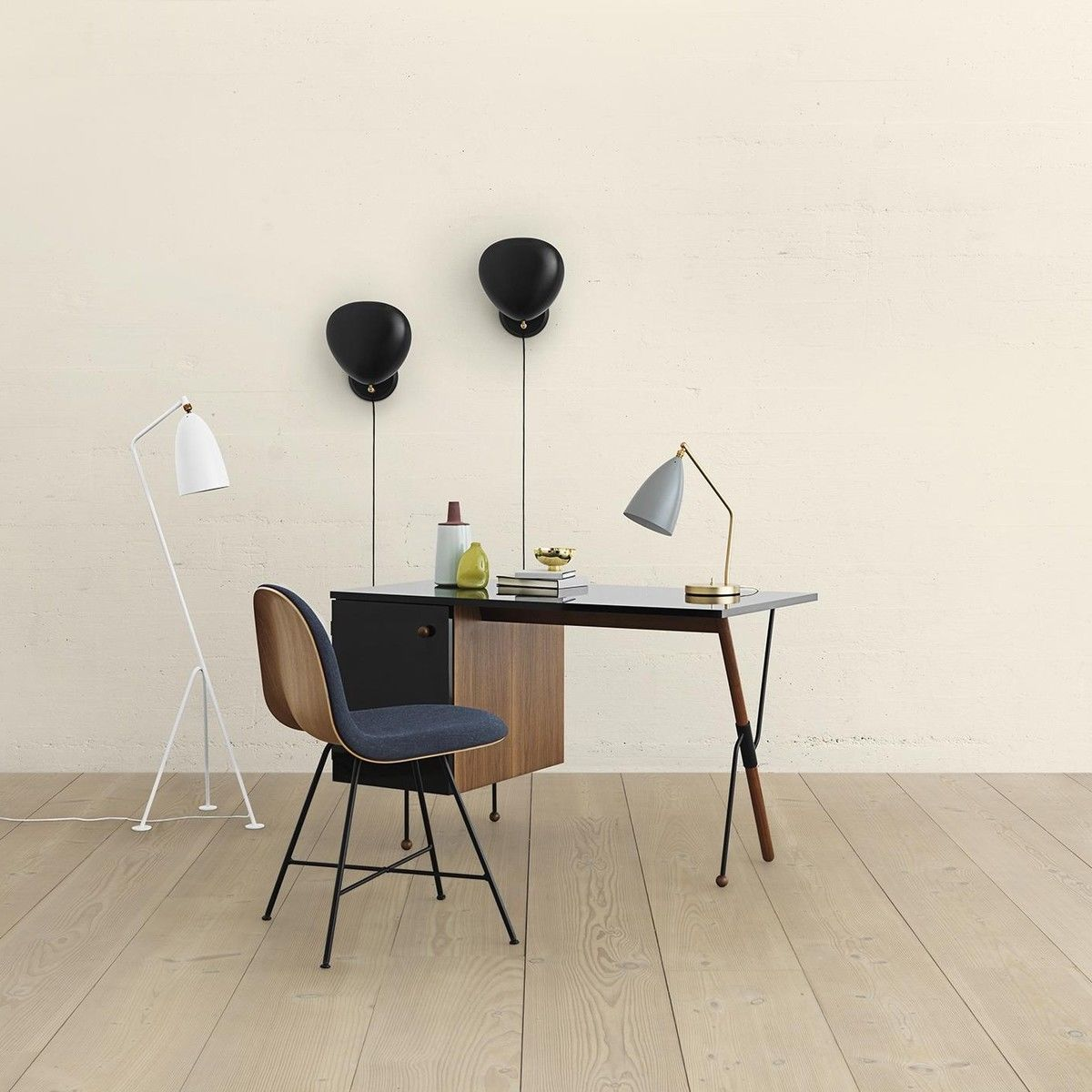 grasshopper tischleuchte gubi. Black Bedroom Furniture Sets. Home Design Ideas