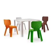 Magis - Promotion Set Linus Table + 4 Alma Chairs