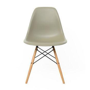 Vitra - Eames Plastic Side Chair DSW Stuhl - sea cyprus grau/Polypropylen/Gestell Ahorn/Sonderfarbe in limitierter Auflage!/mit Filzgleitern