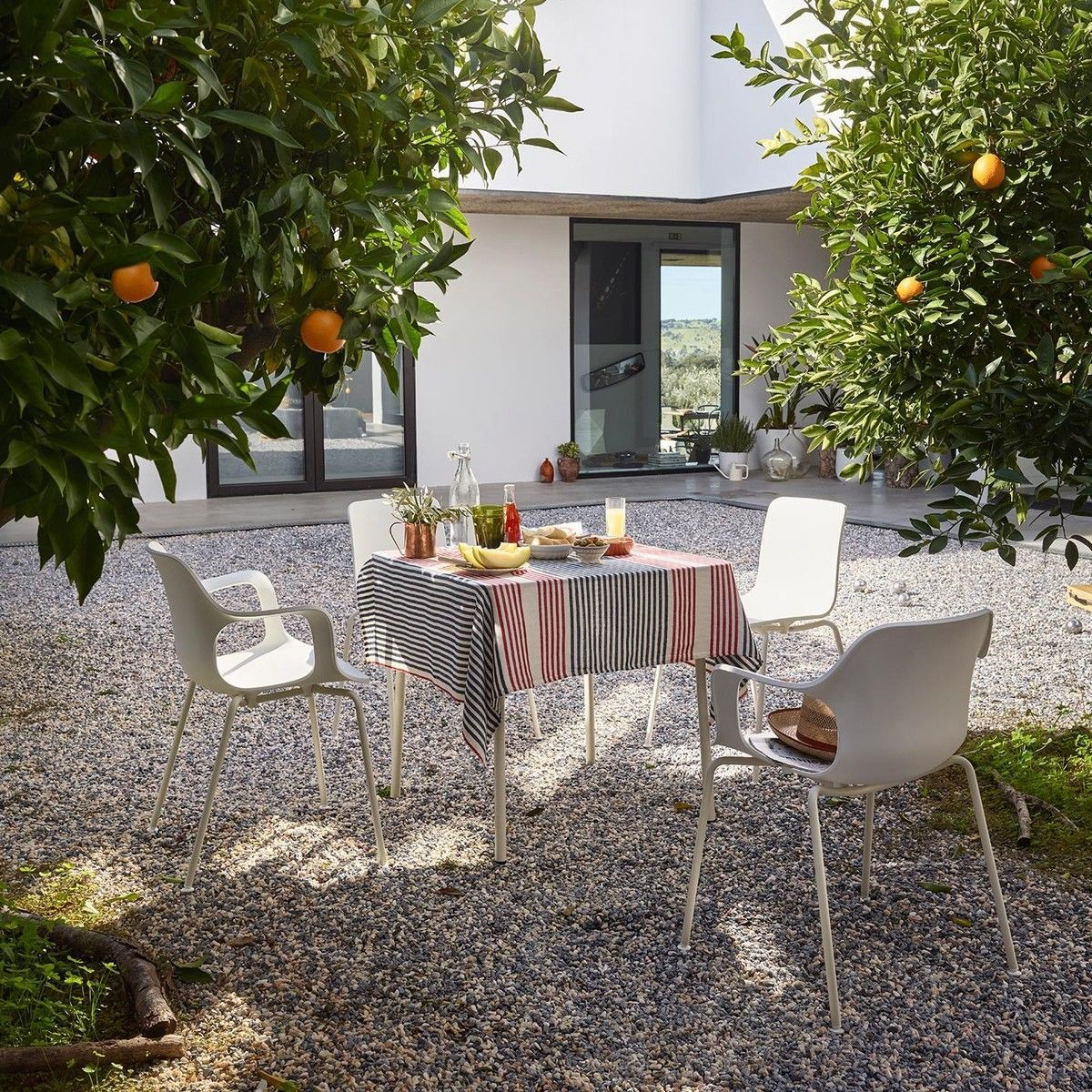 Hal armchair tube white outdoor armlehnstuhl vitra for Schalenstuhl outdoor