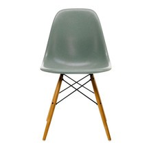 Vitra - Vitra Eames Fiberglass Side Chair DSW Ahorn gelb