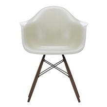 Vitra - Eames Fiberglass Armchair DAW donker esdoorn