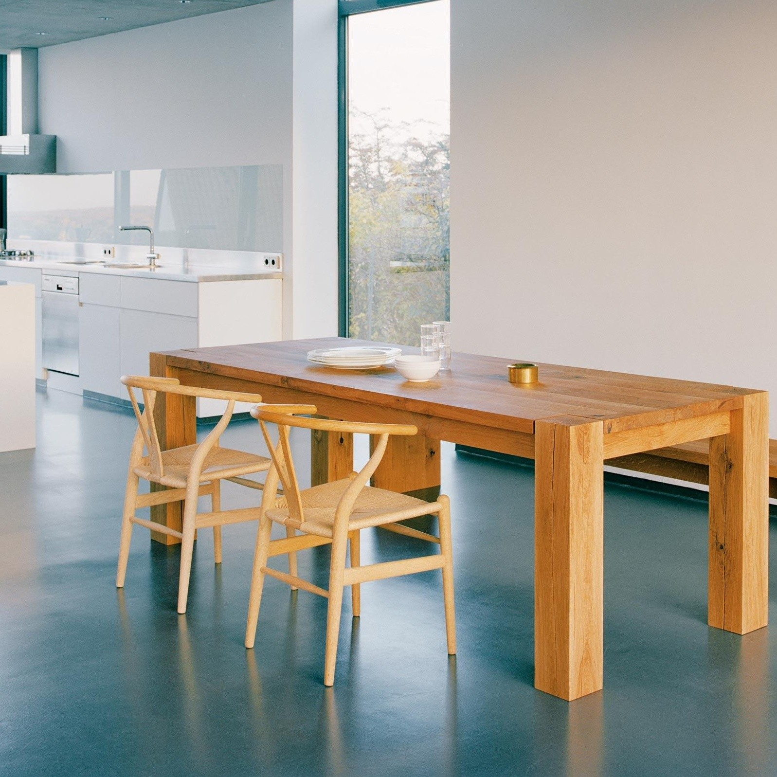 E15 Ta04 Foot Table Ambientedirect