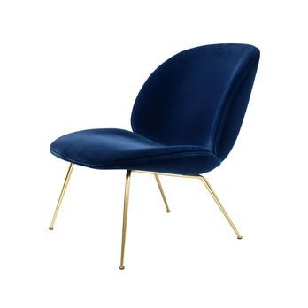 Gubi - Beetle Lounge Sessel mit Samt und Gestell Messing - dunkelblau/Samt Velluto G075/420/BxHxT 63x80x72cm/Gestell Messing