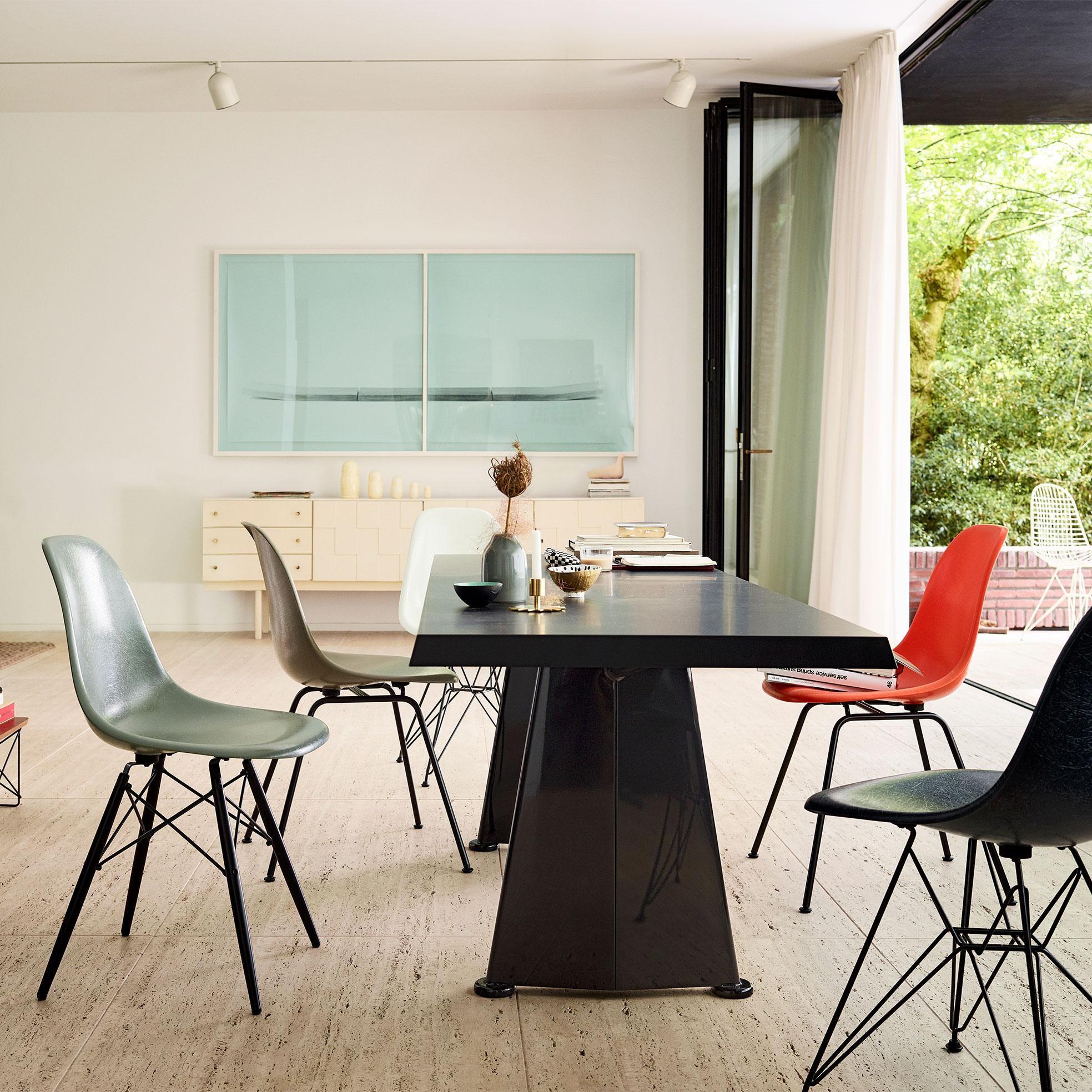 Vitra Eames Fiberglass Side Chair Dsw Black Maple