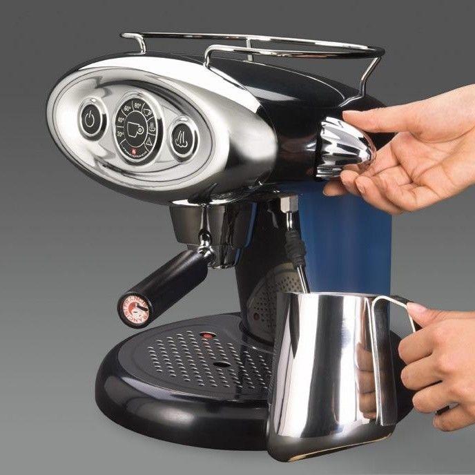 x7 1 kapsel espressomaschine illy. Black Bedroom Furniture Sets. Home Design Ideas