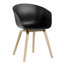 HAY - Chaise avec accoudoirs About a Chair AAC 22 chêne laqué mat