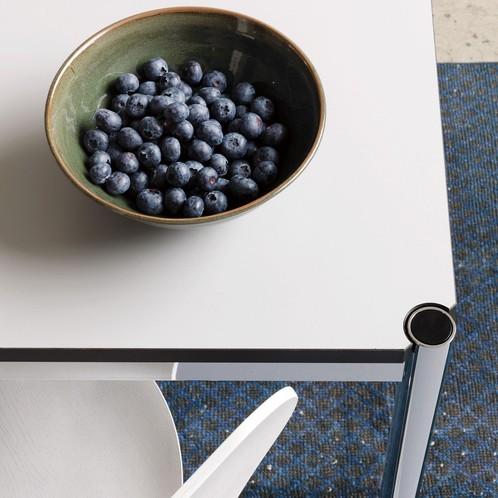 USM Haller - USM Tisch quadratisch 100x100cm