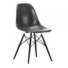 Vitra - Eames Fiberglass Side Chair DSW Ahorn schwarz