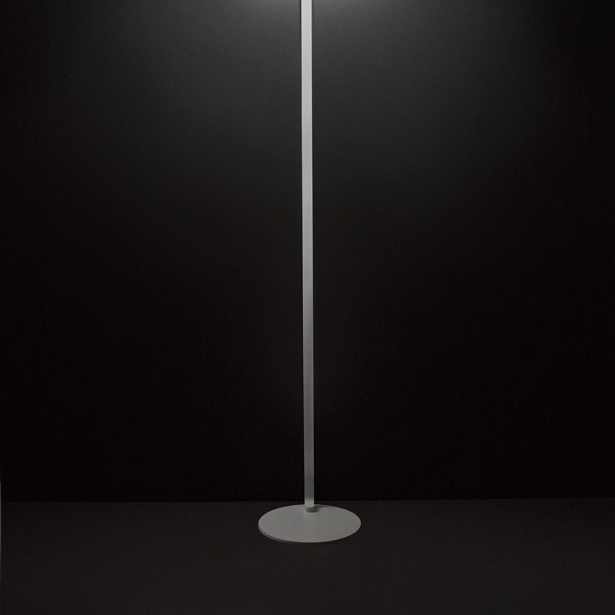 sestessa terra lampadaire led cini nils. Black Bedroom Furniture Sets. Home Design Ideas