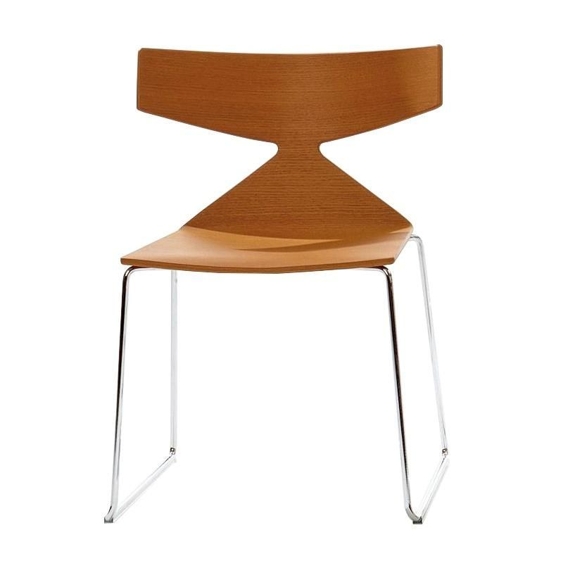saya chaise avec pi tement tra neau arper. Black Bedroom Furniture Sets. Home Design Ideas