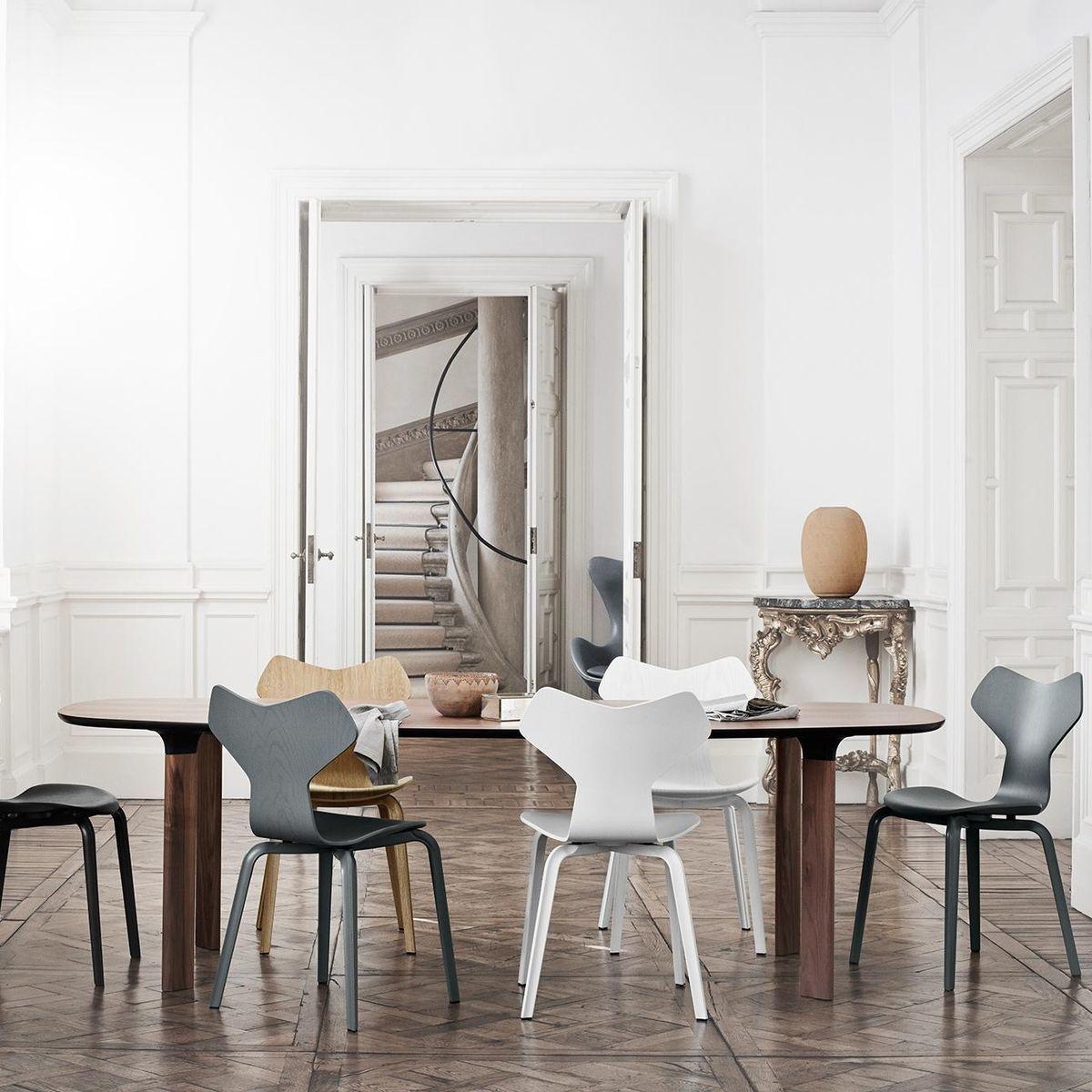 analog dining table 245x105cm fritz hansen. Black Bedroom Furniture Sets. Home Design Ideas