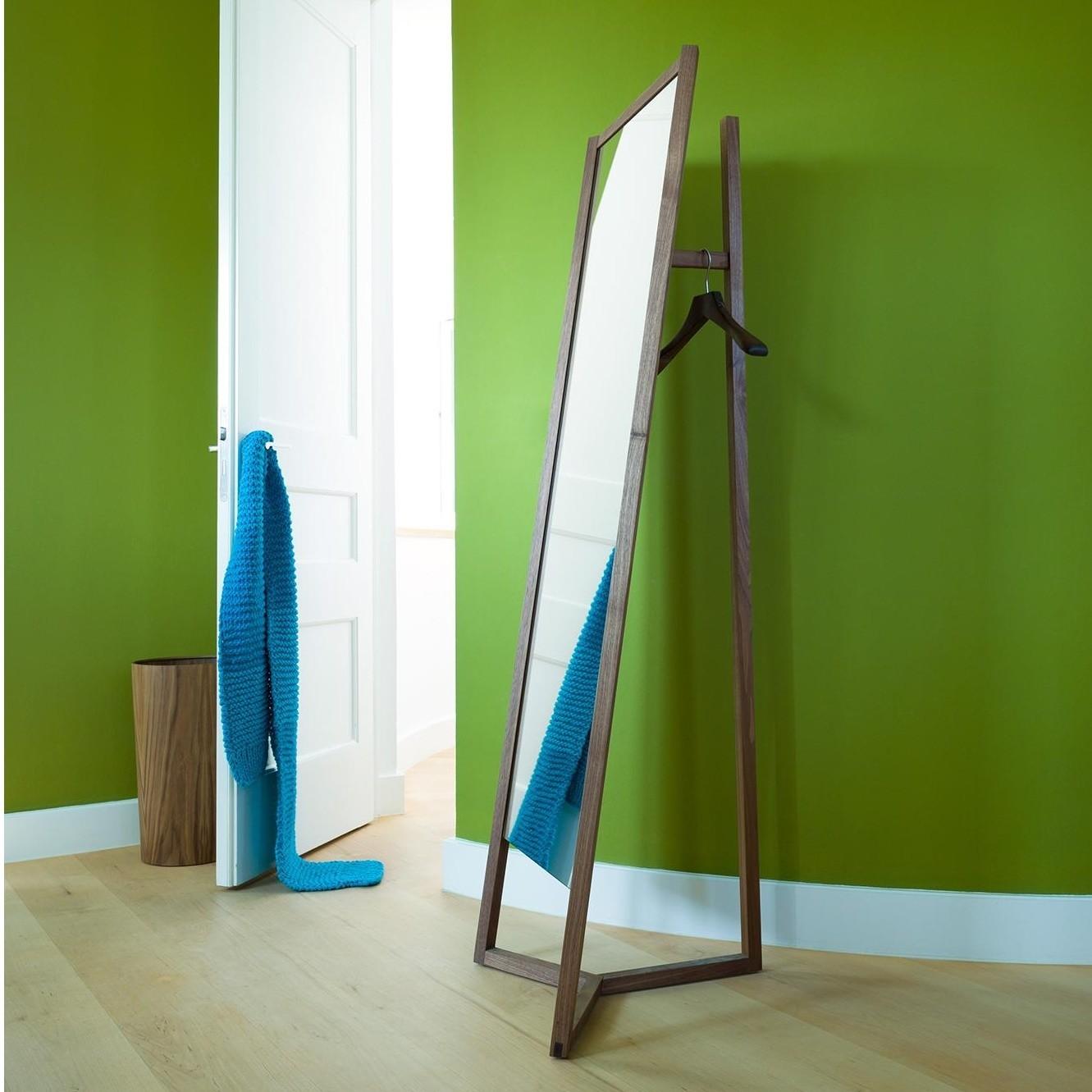sch nbuch club garderobe mit spiegel ambientedirect. Black Bedroom Furniture Sets. Home Design Ideas