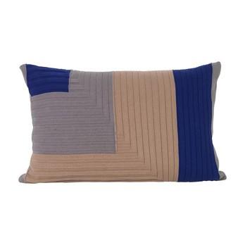 ferm LIVING - Angle Knit Kissen 60x40cm - staubiges rosa/LxB 60x40cm/Füllung: Federn & Daunen