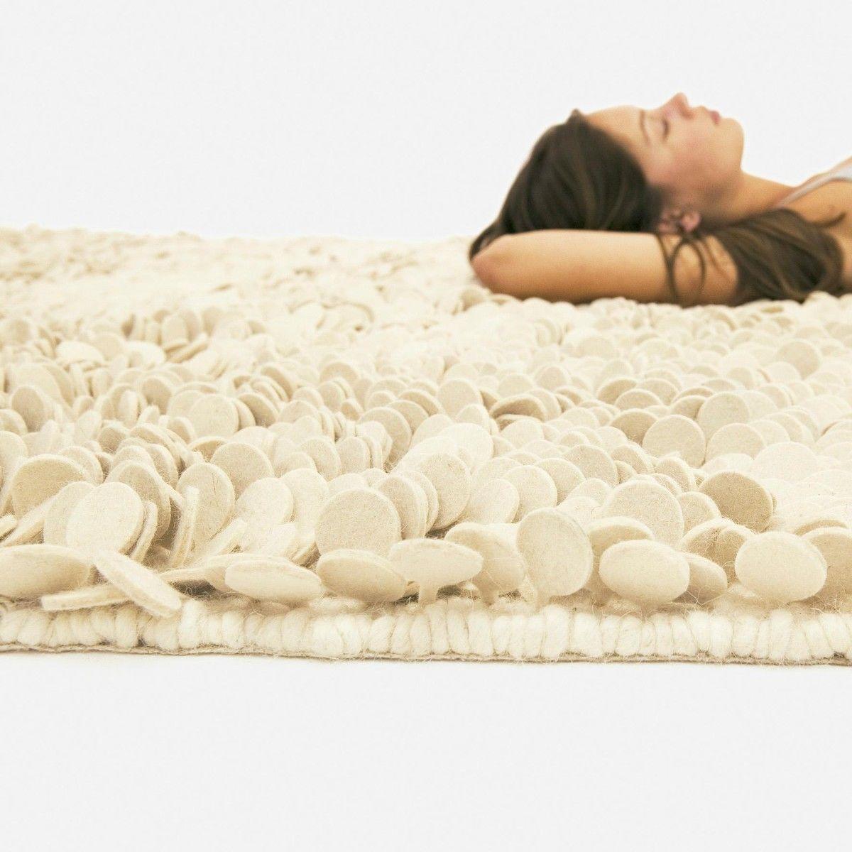 roses design tapis en feutre de laine nanimarquina. Black Bedroom Furniture Sets. Home Design Ideas