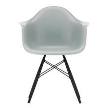 Vitra - Eames Plastic Armchair DAW zwart esdoorn