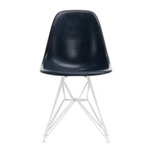 Vitra - Eames Fiberglass Side Chair DSR wit