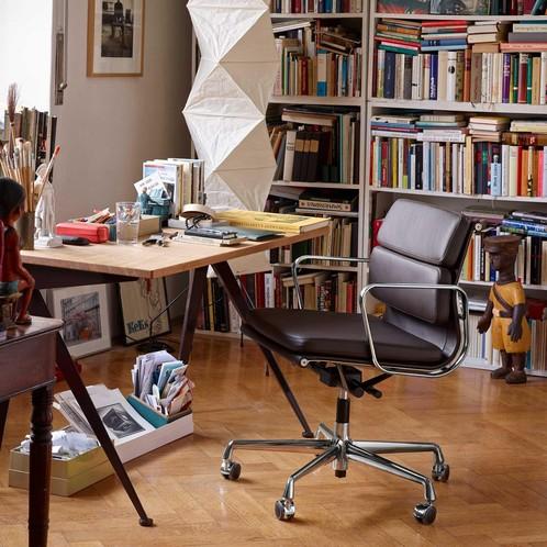 Vitra - Soft Pad Chair EA 217 Bürostuhl chrom