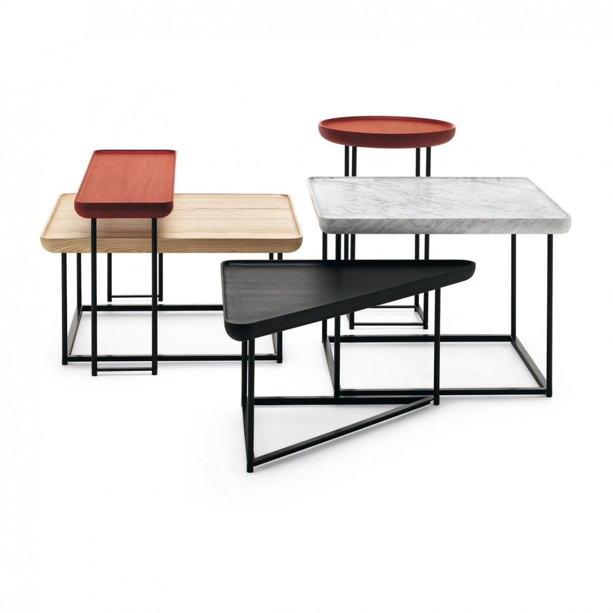 Torei table d 39 appoint triangulaire cassina for Table triangulaire design
