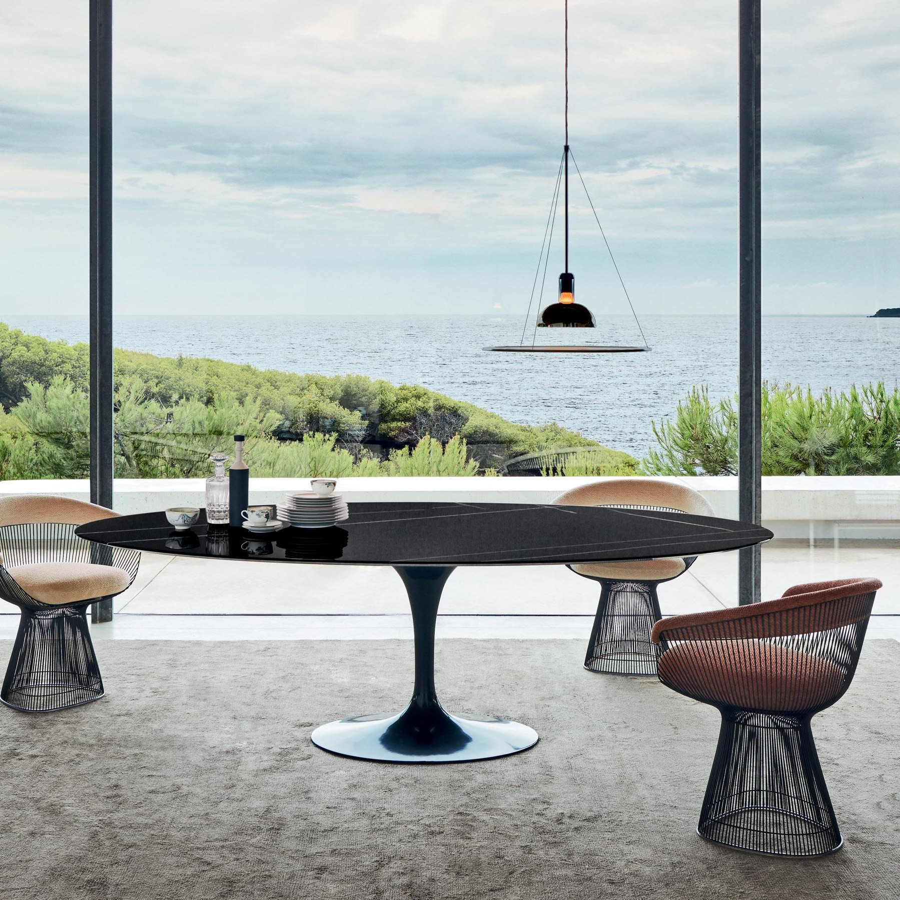 - Knoll International Saarinen Oval Table AmbienteDirect