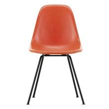 Vitra - Eames Fiberglass Side Chair DSX Black Base
