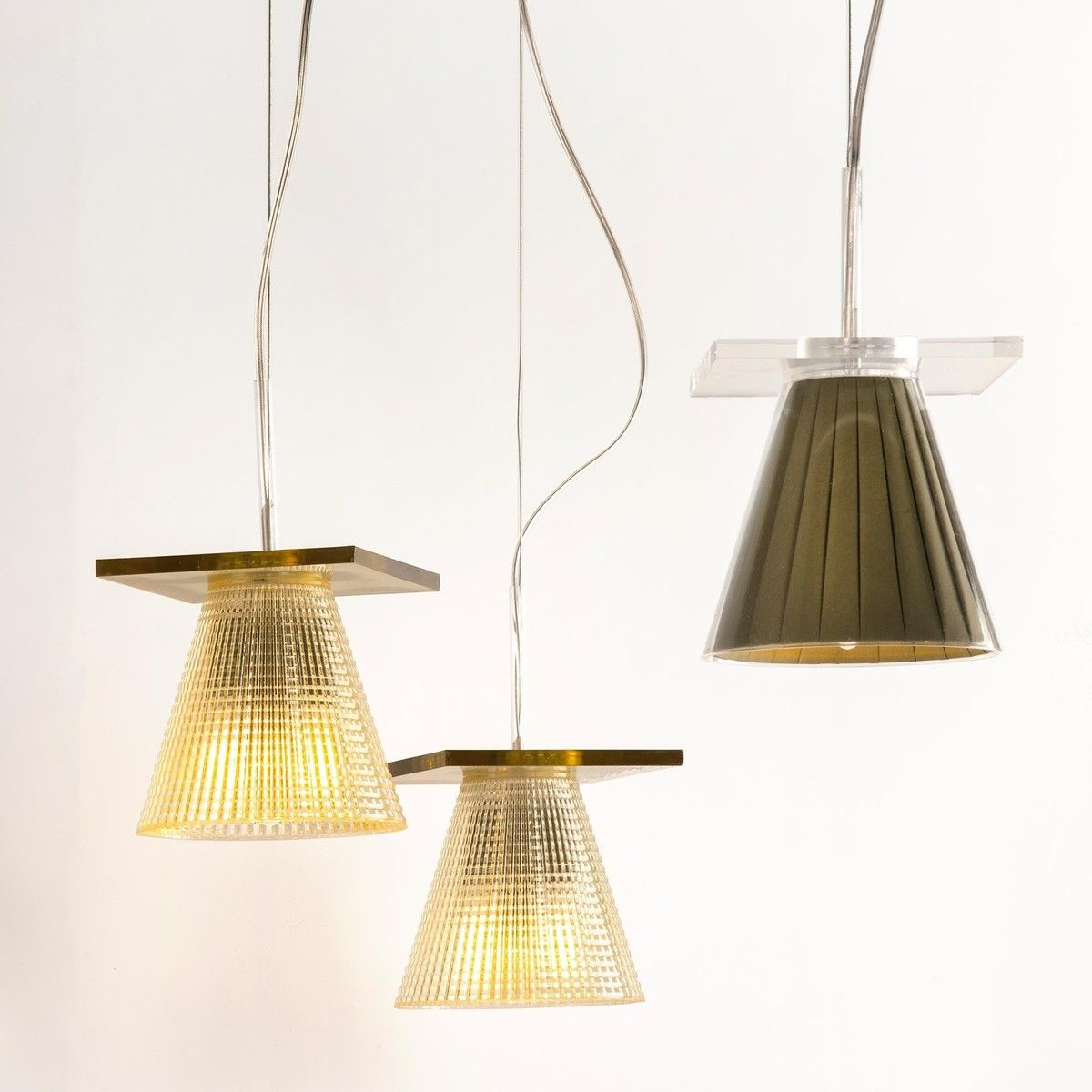 Light air suspension lamp kartell for Suspension 4 lampes