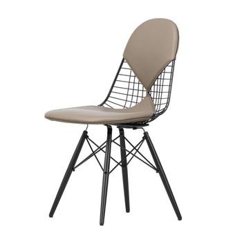 Vitra - Eames Wire Chair DKW-2 Stuhl H43cm - sand/Gestell Ahorn schwarz/Leder 71/mit Filzgleitern in basic dark schwarz/neue Höhe