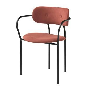 Gubi - Coco Dining Chair Stuhl mit Armlehne - rostrot/Bezug Stoff Alcantara 407/BxHxT 62x80x52cm/Gestell schwarz