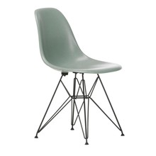 Vitra - Eames Fiberglass Side Chair DSR zwart