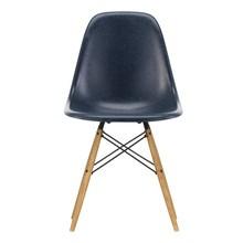 Vitra - Eames Fiberglass Side Chair DSW Gestell Esche