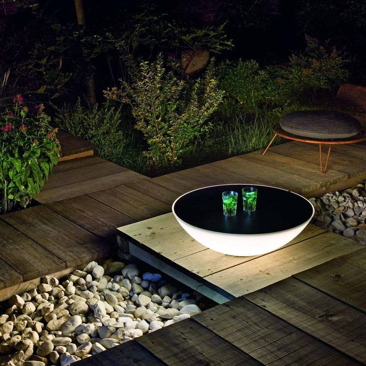 solar outdoor lighted table foscarini ambientedirect com