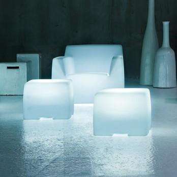 Gervasoni - InOut 108 L leuchtender Outdoor Beistelltisch - transluzent