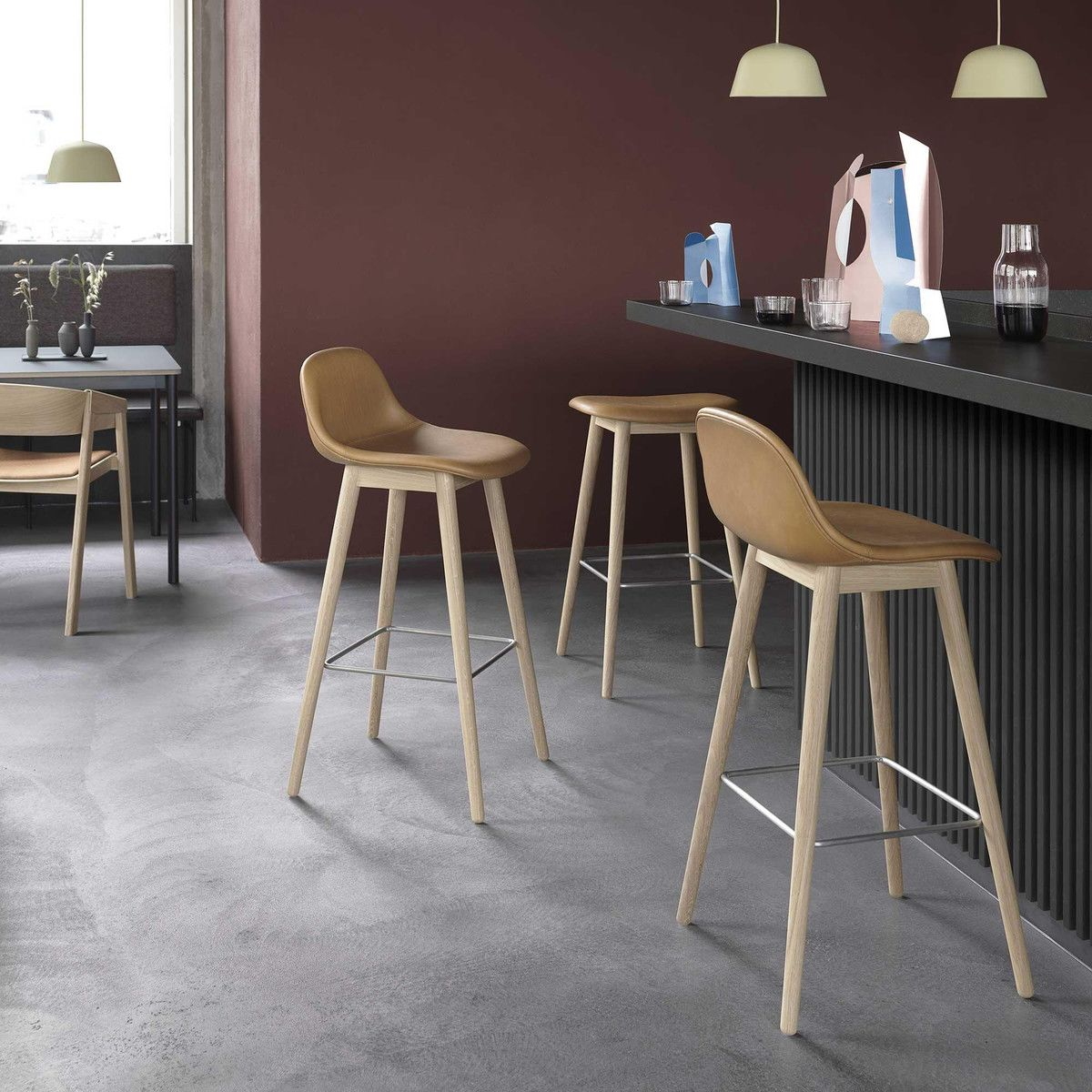 fiber tabouret de bar en bois avec dossier muuto. Black Bedroom Furniture Sets. Home Design Ideas