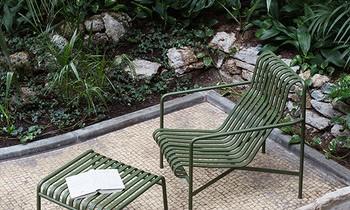 Gartenstuhl mit Hocker
