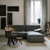 Cassina - My World Sofa - grau/Stoff Akira 13F609/inkl. Seitentisch in grau & Kissen 47x47cm/Bezug abziehbar