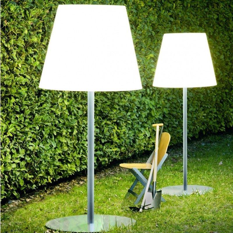 Amax Outdoor Floor Lamp   Fontana Arte   AmbienteDirect.com
